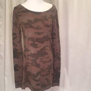 Hard Tail tunic long sleeve T-sz L, camo print